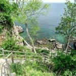 Trappe ned til klipperne